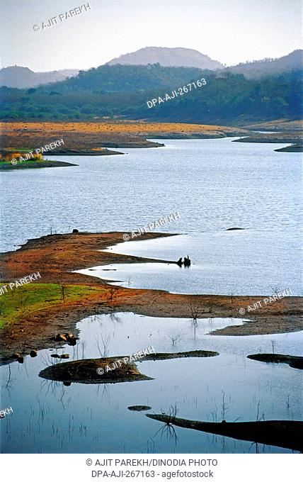 Narmada river, Gujarat, India, Asia