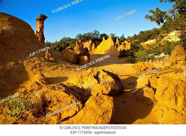 Colorado Provencal, near of Rustrel, Vaucluse, Provence, France