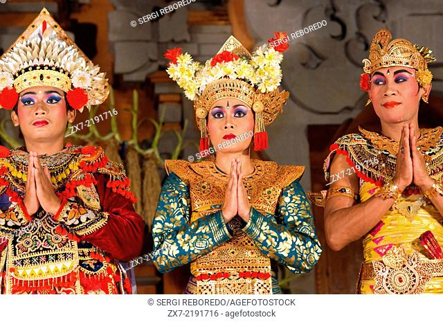 "Dance called """"Legong Dance"""" at the Palace of Ubud. Ubud-Bali. Traditional balinese dance in Ubud. There are many Balinese dance performances to see in Bali"