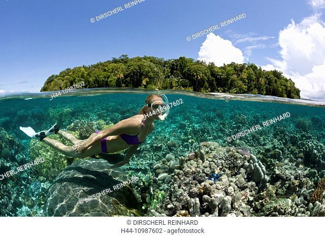Snorkeling at Solomon Islands, Marovo Lagoon, Solomon Islands