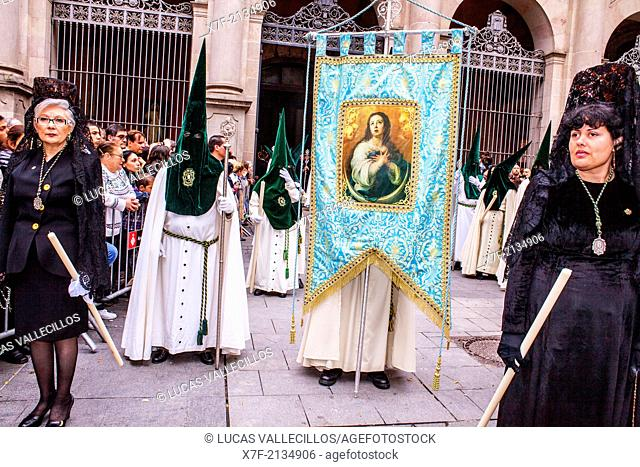 `MantillasÃ'Â'and Hooded penitents in procession, sisterhood of Jesús del Gran Poder y virgen de la Macarena,Good Friday, Easter week,Plaza de San Agustin