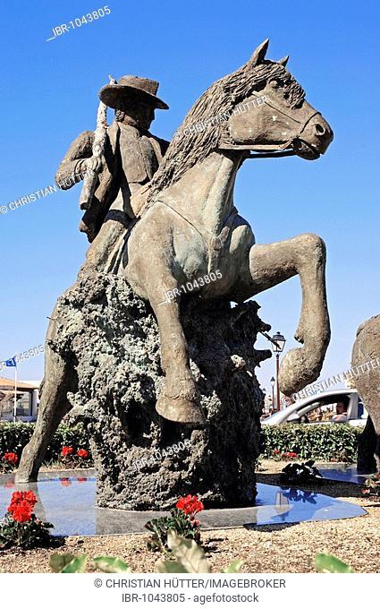 Statue of guardian on Camargue Horse, Les Saintes-Maries-de-la-Mer, Camargue, Bouches-du-Rhone, Provence-Alpes-Cote d'Azur, Southern France, France, Europe