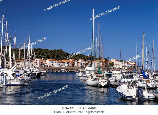 France, Pyrenees Orientales, Cote Vermeille, Port Vendres, marina