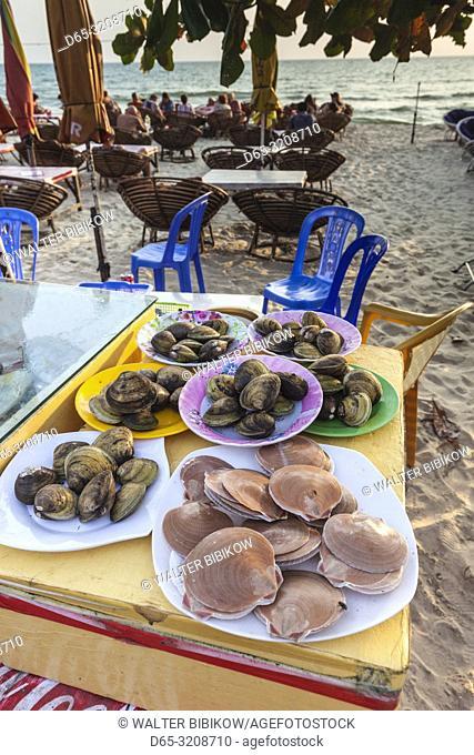 Cambodia, Sihanoukville, Serendipity Beach, seafood