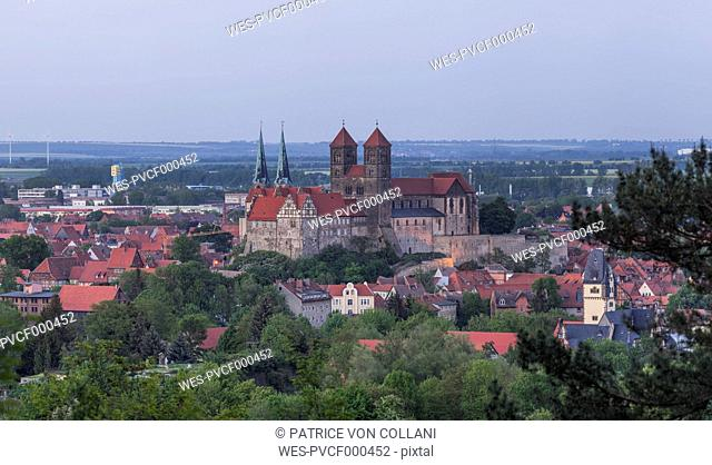 Germany, Quedlinburg, view to the city in the evening