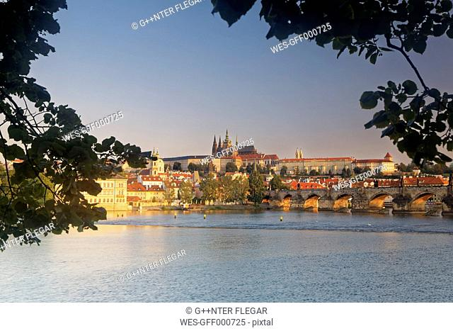 Czech Republic, Prague, Old town, Charles Bridge, Prague Castle and St. Vitus Cathedral
