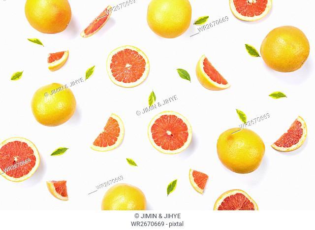 Patterns of fresh grapefruits