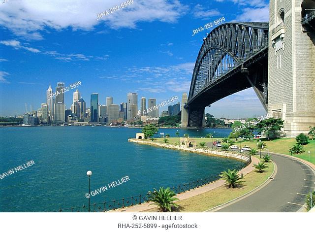 Sydney Harbour Bridge and city skyline, Sydney, New South Wales, Australia