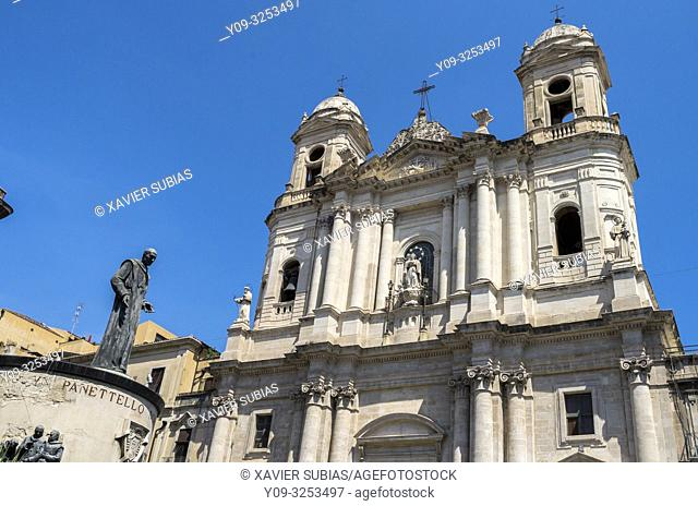 Church of San Francesco d'Assisi all'Immacolata and Beato Cardinale Giuseppe Benedetto Dusmet monument, Catania, Sicily, Italy