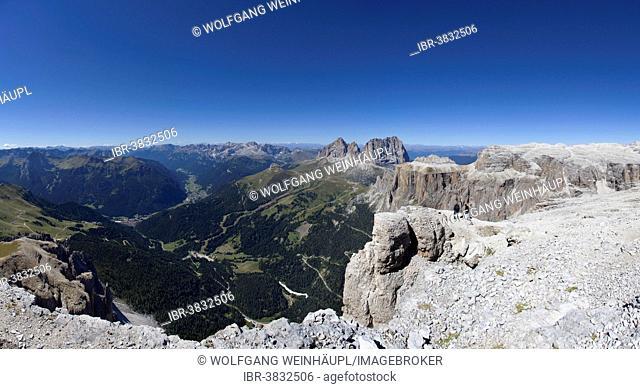 View towards Canazei in Val di Fassa valley, Langkofel Group, centre, Sass Pordoi Mountain, Pordoi Pass, Sella Group, Dolomites, Belluno province, Italy