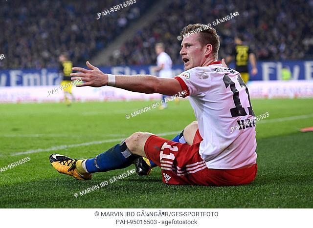 Andre Hahn (HSV Hamburg Hamburg) enttaeuscht. GES/ Fussball/ 1. Bundesliga: HSV Hamburg Hamburg - Borussia Dortmund, 20.09