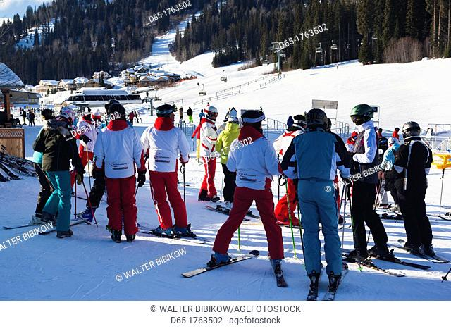 Canada, British Columbia, Sun Peaks, Sun Peaks Resort, skiers, NR, winter