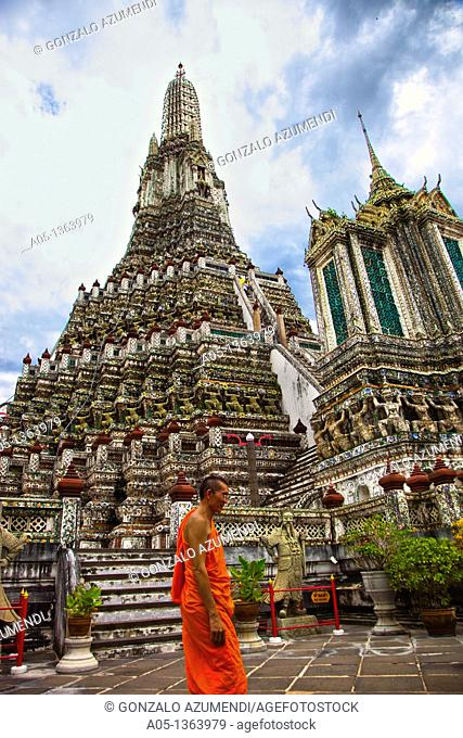 Monk in Wat Arun, The Temple of the Dawn  Bangkok, Thailand, Southeast Asia, Asia