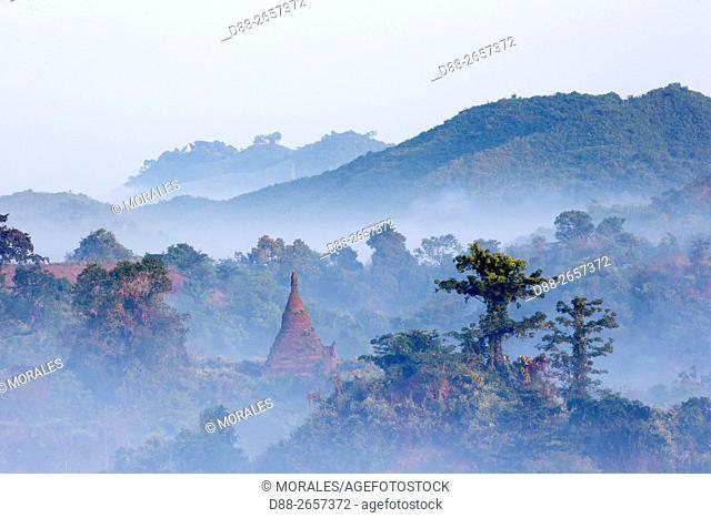 Myanmar, Rakhine state, Mrauk-U, pagodas at sunrise
