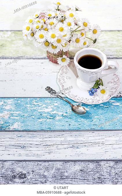 Vase, bunch, daisy, wooden boards, arrangement, cup of coffee, silver spoons, forget-me-not blossoms