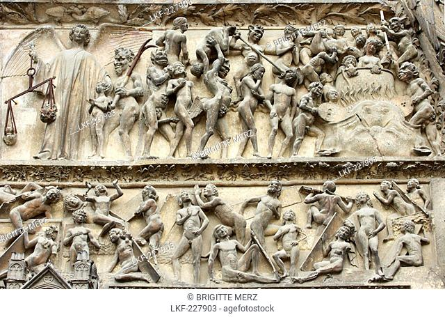 Saint Stephen's Cathedral in Bourges, Tympanum of central doorway, Old City of Bourges, The Way of St. James, Chemins de Saint Jacques, Via Lemovicensis