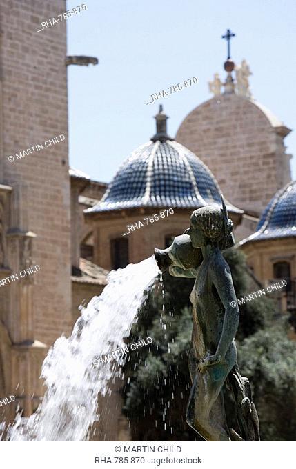 Turia fountain, Plaza de La Virgen, Valencia, Mediterranean, Costa del Azahar, Spain, Europe