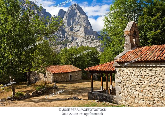 Chapel Corona, Ermita de Corona, Valle de Valdeón, Valdeón Valley, Picos de Europa National Park, province of León, Castile and León, Spain, Europe