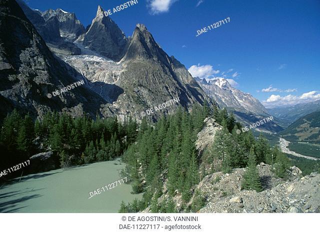 Lac Vert, Veny valley, Mont Blanc massif, Graian Alps, Aosta Valley, Italy