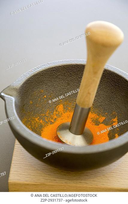 Moder mortar in kitchen