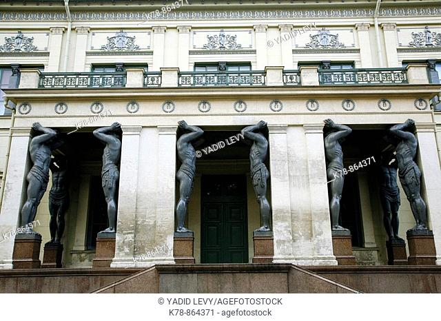 Atlantes statues in portico of New Hermitage, St  Petersburg, Russia