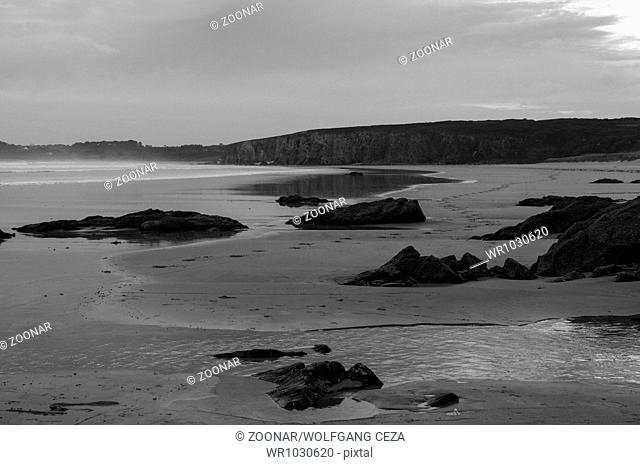 Low tide on the coast of the Presque Ille de Crozo