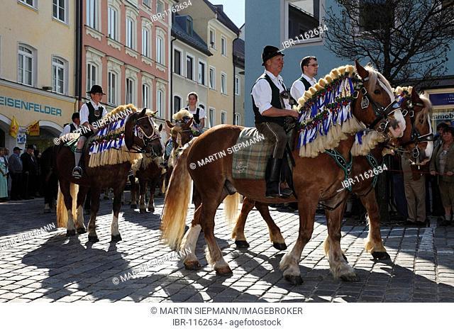 Georgiritt, George's Ride, Easter Monday procession, Old Town, Traunstein, Chiemgau, Upper Bavaria, Bavaria, Germany, Europe