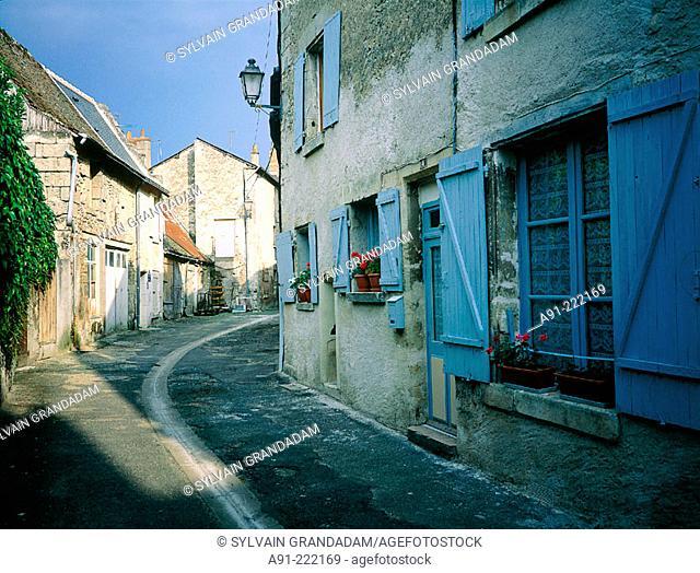 Small street. Azay-le-Rideau. Touraine, Val-de-Loire. France