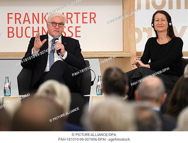 10 October 2018, Hessen, Frankfurt/Main: During his visit to the Frankfurt Book Fair at the ceremonial opening of the new Frankfurt Pavilion