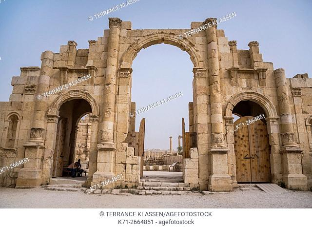 The South Gate at the archaeological ruins of Jerash, Hashemite Kingdom of Jordan, Middle East