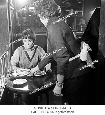 Wilhelmsburger Freitag, Sozialdrama, Deutschland 1964, Regie: Egon Monk, Darsteller: Ingeborg Hartmann im Cafe