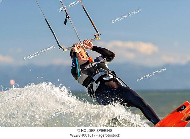 Germany, Baden-Wuerttemberg, Fischbach, Kitesurfer on Lake Constance
