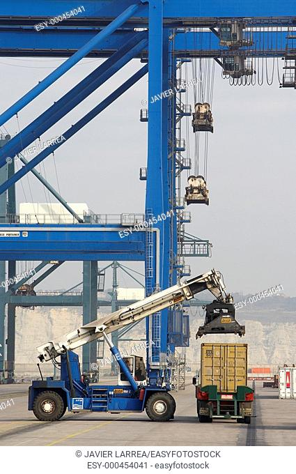 Loading containers, Port of Bilbao, Santurce, Bizkaia, Basque Country, Spain