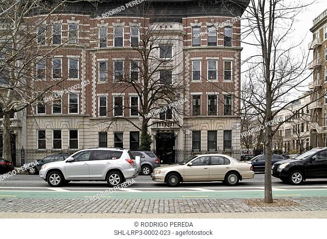 Traffic by residential buildings, Prospect Park, Brooklyn, New York, USA