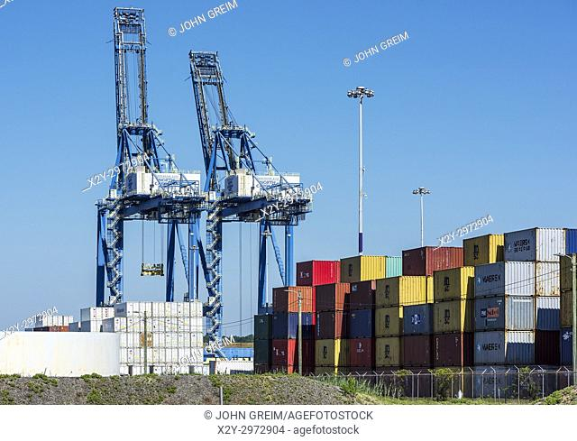 Cargo cranes and shipping containers, Wilmington, North Carolina, USA