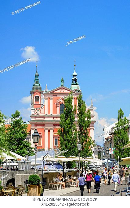 Ljubljana, Franziskanerkirche, Mariä Verkündigungskirche, Cerkev Marijinega oznanjenja, Tromostovje, Drei Brücken, Slovenia