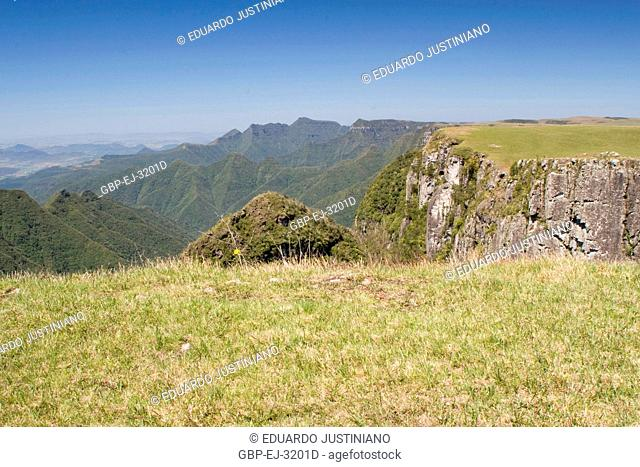It in the Boundary Among States of Rio Grande do Sul and of Santa Catarina, Trimmed of the Mountain, São José dos Ausentes, Rio Grande do Sul, Brazil