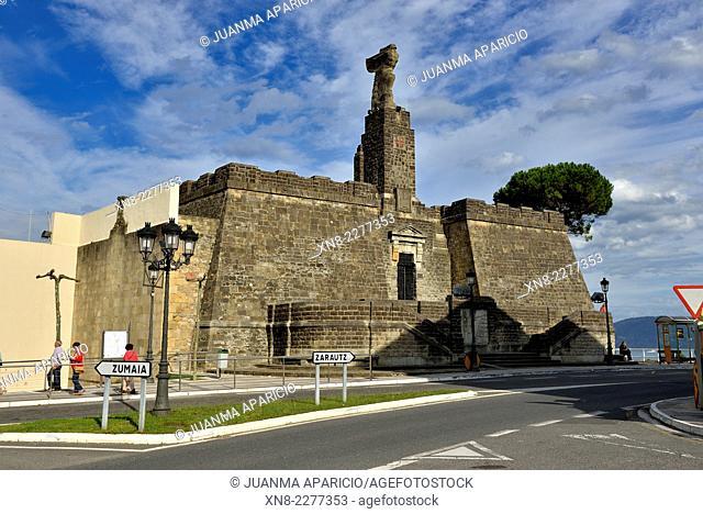 Monument to Juan Sebastián Elcano, Getaria, Guipuzkoa, Basque Country, Spain, Europe