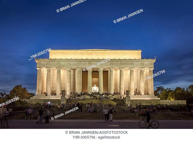 Tourists at the Lincoln Memorial at twilight, Washington, DC, USA