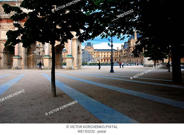 Square in front of Louvre museum, Paris. View from Tuileries Gardens