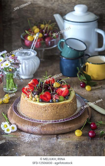 Vanilla cheesecake with summer berries