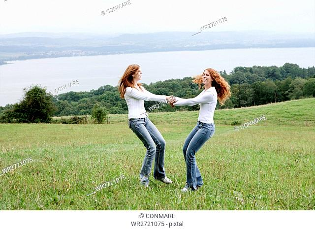 teenagers, carefree, turn, happy, nature, grass, p