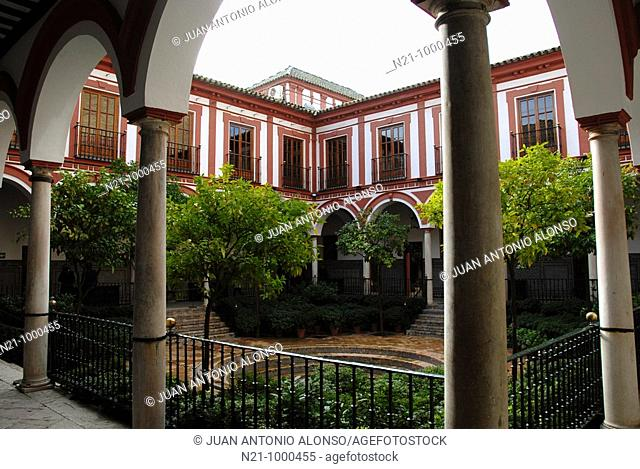 Hospital De Los Venerables courtyard. Santa Cruz Quarter, Seville, Andalucia, Spain
