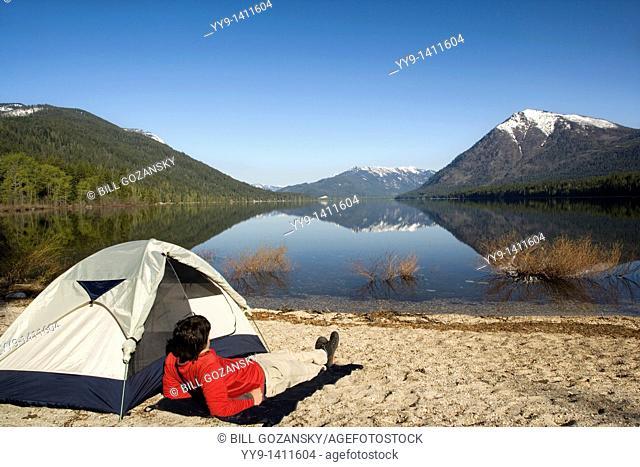 Camping by Lake Wenatchee - Lake Wenatchee State Park, Washington
