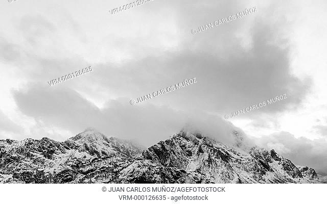 Vestvagoy, Lofoten Archipelago, Nordland county, Norway, Arctic Circle, Europe