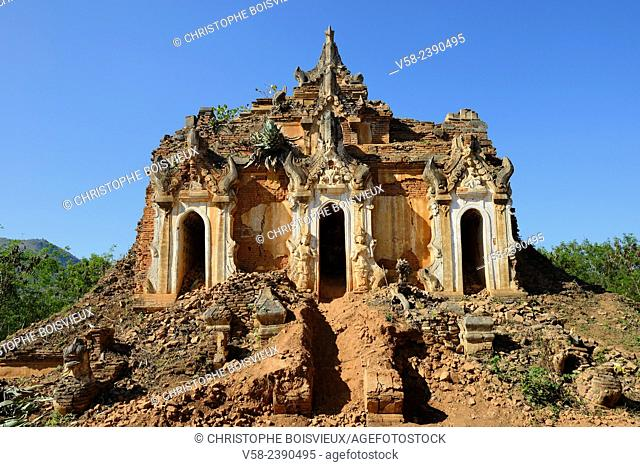 Myanmar, Shan State, Inle Lake, Indein (Inthein) village, Ruined pagoda