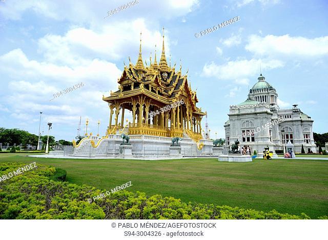 Ananda Samakhom Throne Hall and Borommangalanusarani pavilion, Bangkok, Thailand