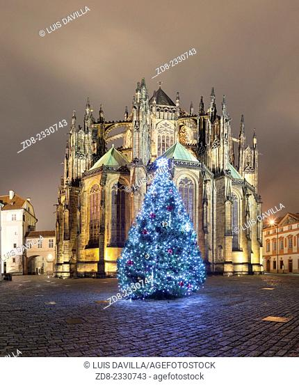 st. vitus cathedral from square of st.george in christmas