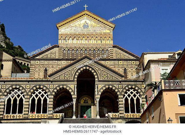Italy, Campania, Amalfi Coast, listed as World Heritage by UNESCO, Amalfi, Sant' Andrea Cathedral on Piazza Duomo