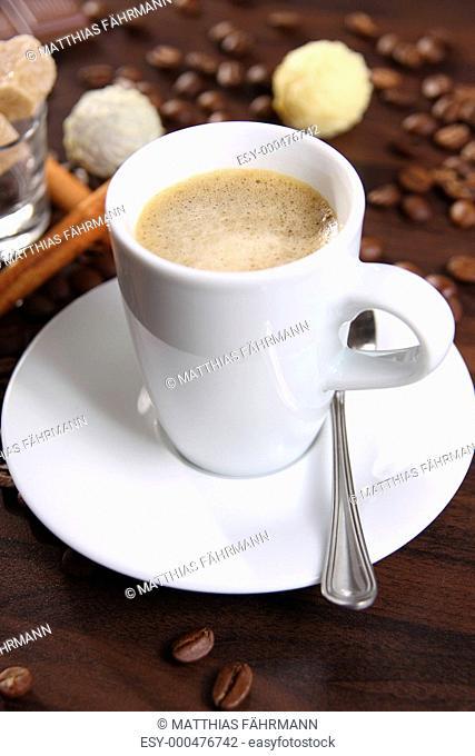 Christbaumkugeln Cappuccino.Milchreis Mit Pfirsichen Und Zimt Stock Photo Picture And Low